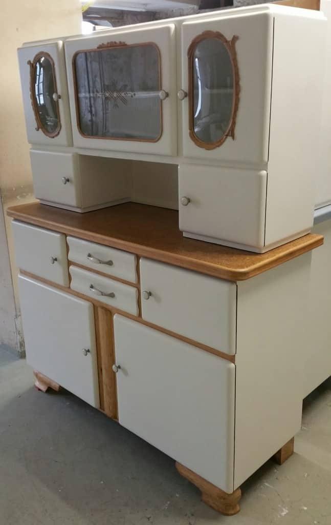 alter Küchenschrank. Küchenbuffet 50er Jahre
